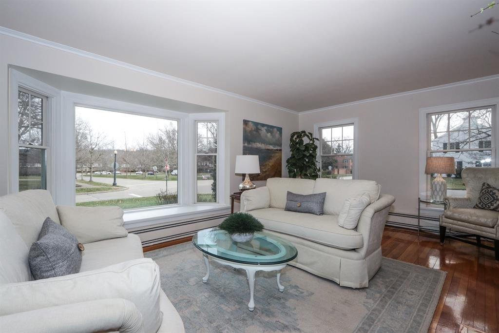 Living Room for 6831 Mt Vernon Ave Mariemont, OH 45227