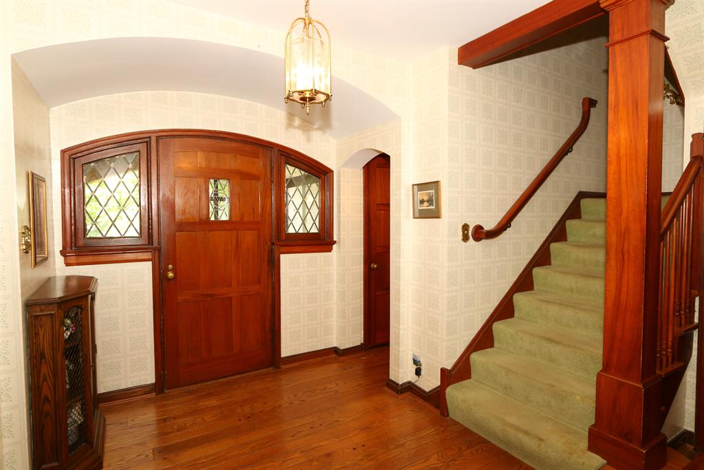 Foyer for 32 W Lakeside Ave Lakeside Park, KY 41017