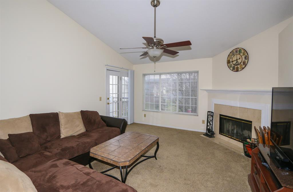 Living Room for 4200 Endeavor Dr, 301 Colerain Twp.West, OH 45252