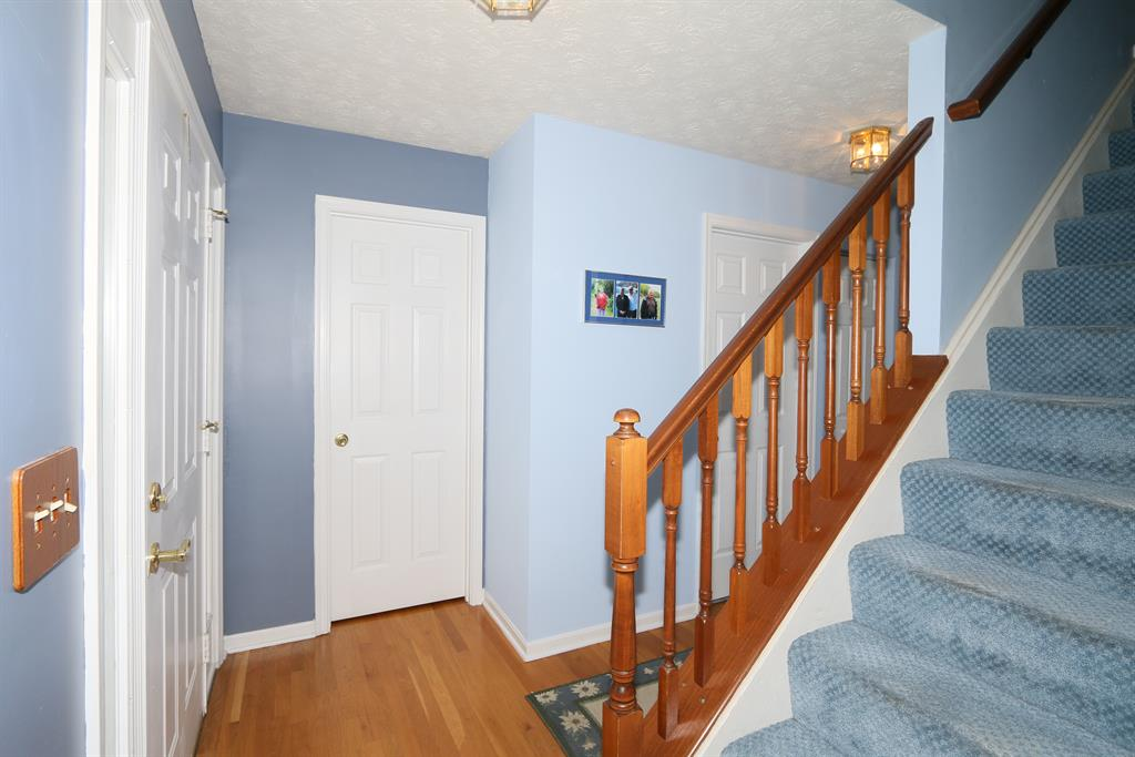 Foyer for 618 Grandview Ave Newport, KY 41071