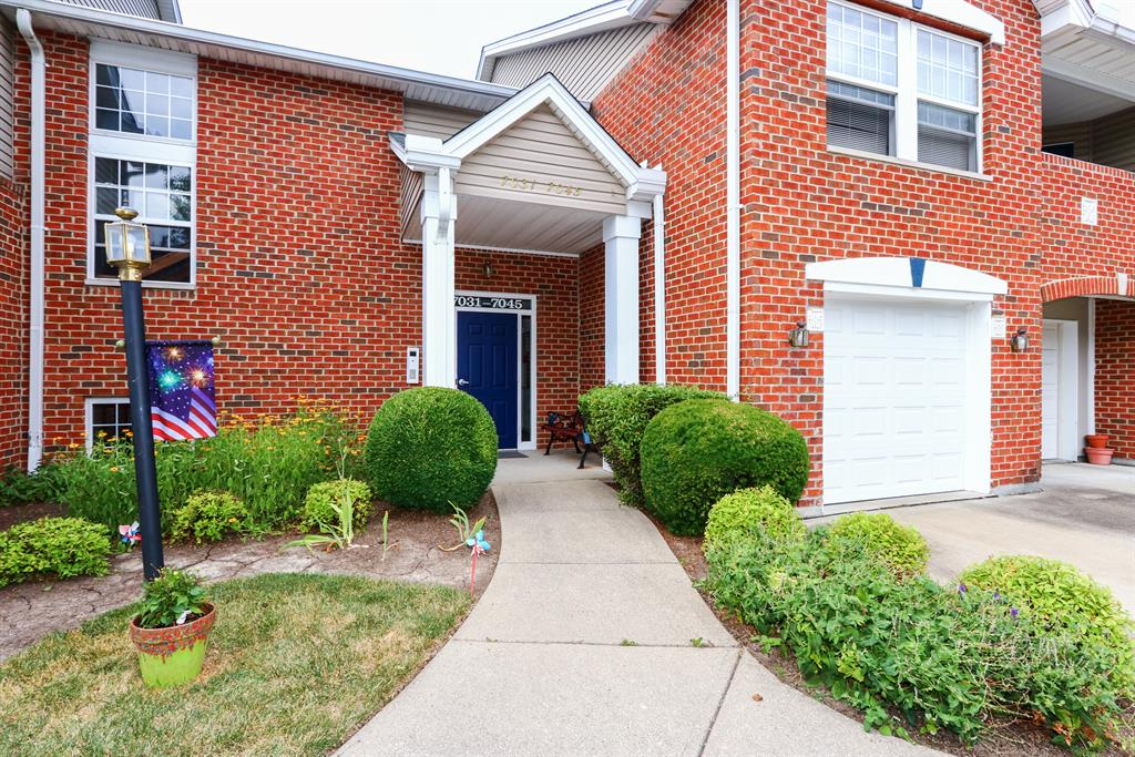 Entrance for 7033 Glen Kerry Ct Florence, KY 41042