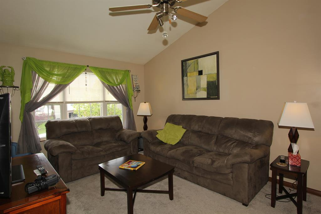 Living Room for 668 Ackerly Dr Independence, KY 41051