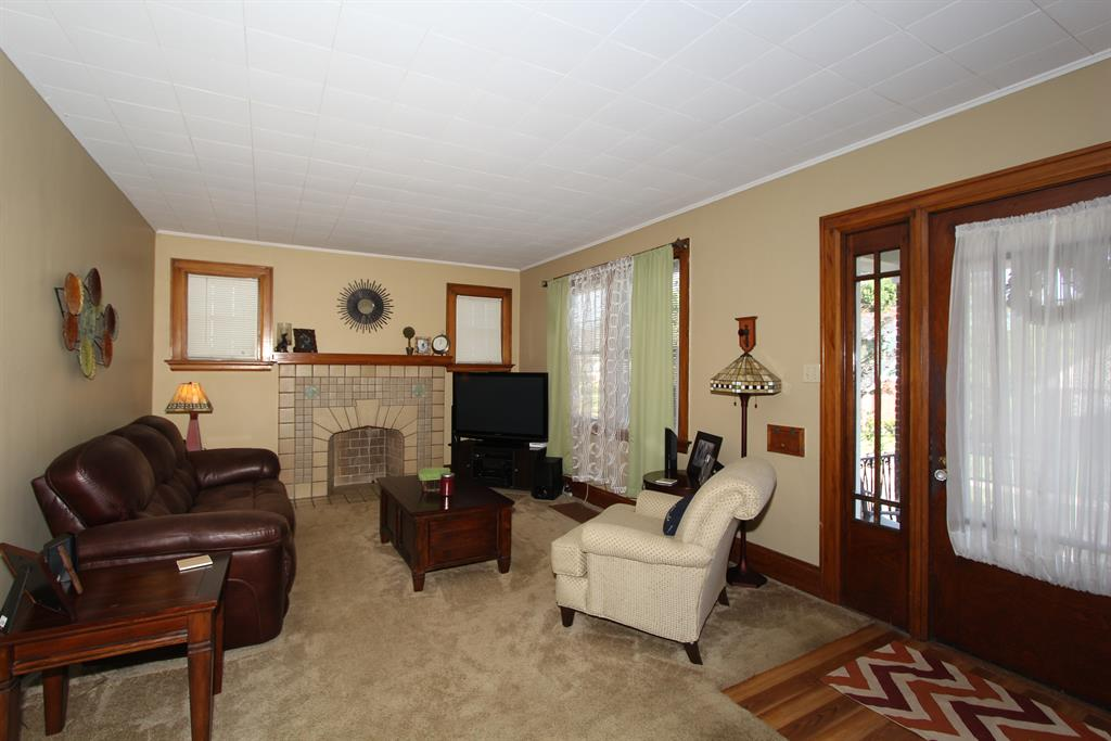 Living Room for 40 Hawthorne Ave Fort Thomas, KY 41075