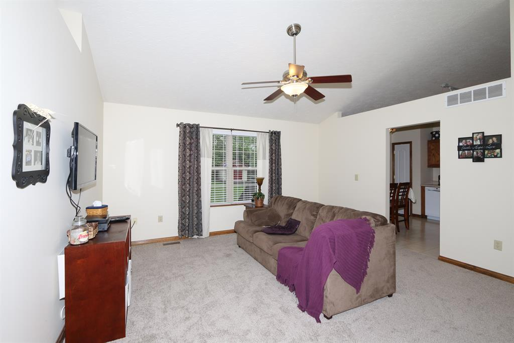 Living Room for 10415 Musket Cir Independence, KY 41051