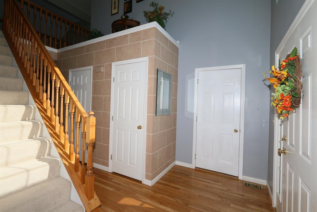 Foyer for 1116 Wheatmore Ln Florence, KY 41042