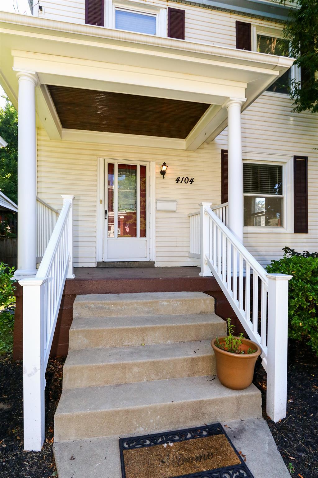 Entrance for 4104 Elsmere Ave Norwood, OH 45212