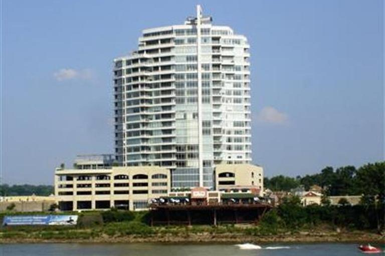 400 Riverboat Row, 705
