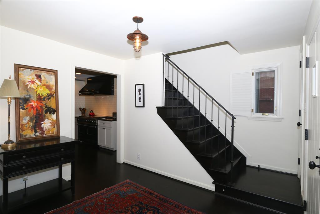 Foyer for 6935 Mt Vernon Ave Mariemont, OH 45227