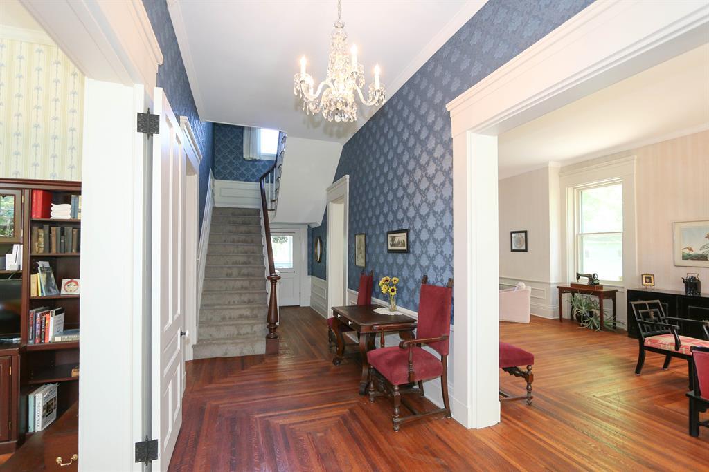 Foyer for 6737 Hamilton Middletown Rd Monroe, OH 45044