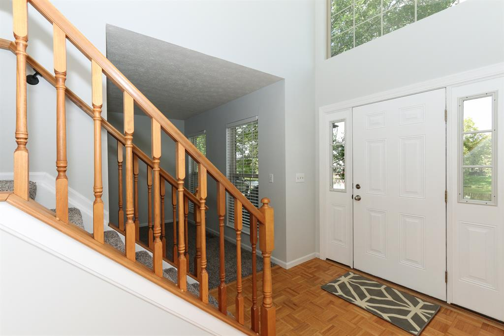 Foyer for 1817 Lilly Pad Ct Union, KY 41091