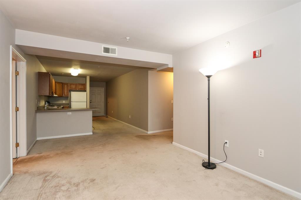 Living Room image 2 for 226 McDaniel St, 20 Dayton, OH 45405