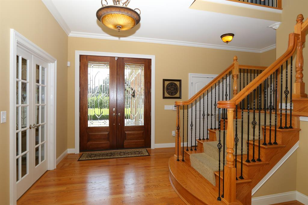 Foyer for 1 Queens View Ln Wilder, KY 41076