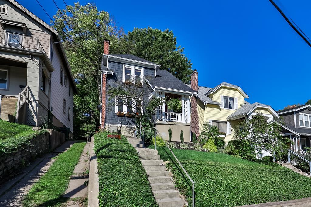 1784 E McMillan Avenue Walnut Hills, OH