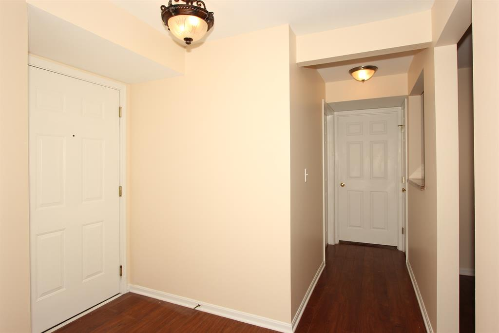 Foyer for 115 Lamphill Dr, J Highland Heights, KY 41076