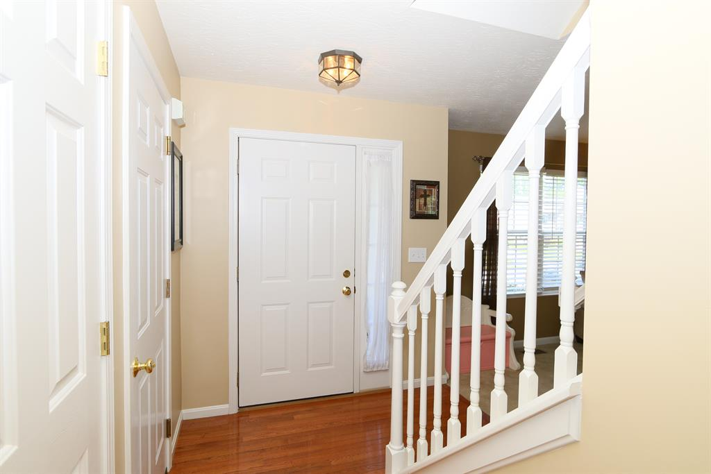 Foyer for 3379 Spruce Tree Ln Erlanger, KY 41018