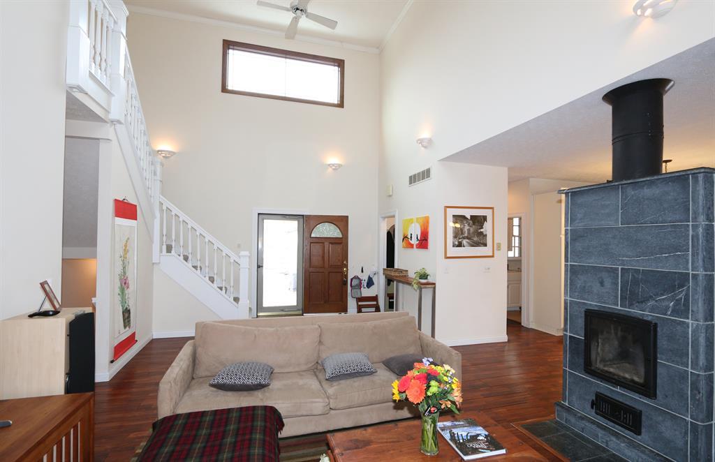 Living Room for 330 S Alpha Bellbrook Rd Beavercreek Township, OH 45305