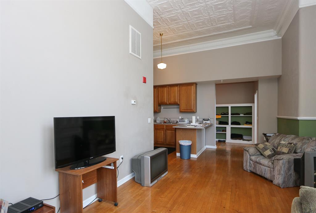 Living Room image 2 for 226 McDaniel St, 220 Dayton, OH 45405
