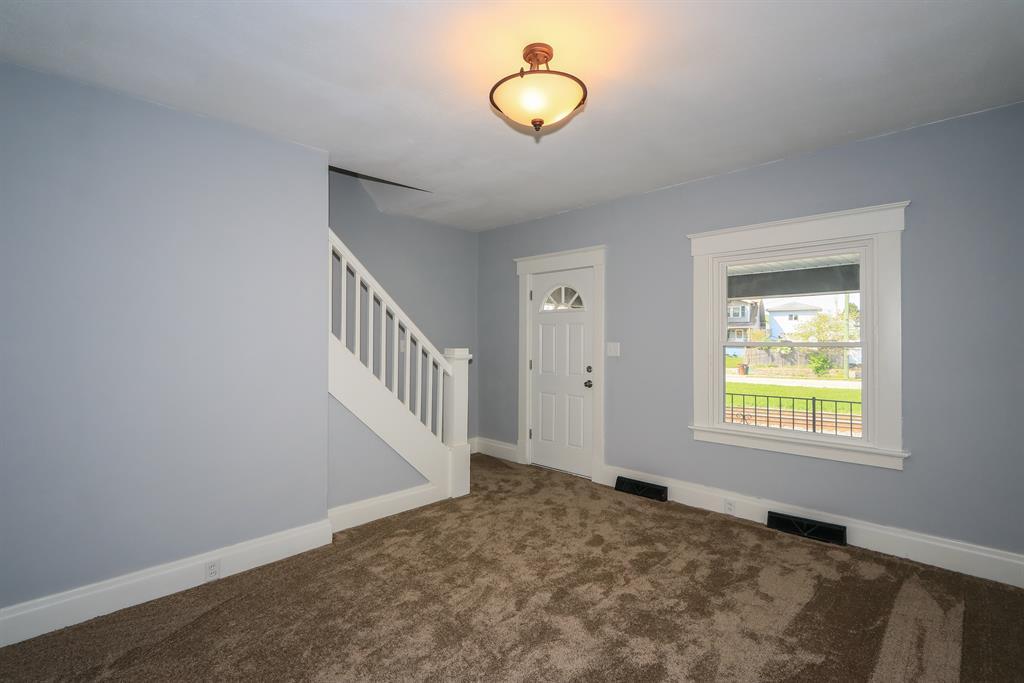Living Room for 4336 Glenn Ave Covington, KY 41015