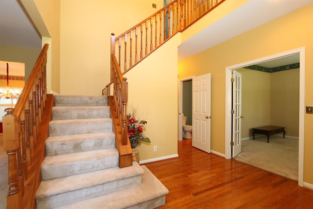 Foyer for 1103 Whirlaway Dr Union, KY 41091