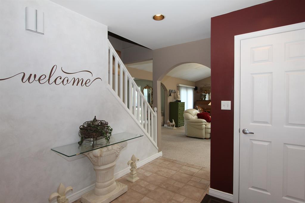 Foyer for 11922 Banklick Rd Walton, KY 41094