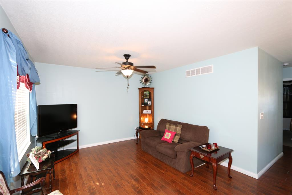 Living Room for 10375 Canberra Dr Independence, KY 41051