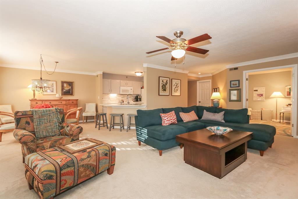 Living Room for 2109 Clareglen Ct, 101 Crescent Springs, KY 41017