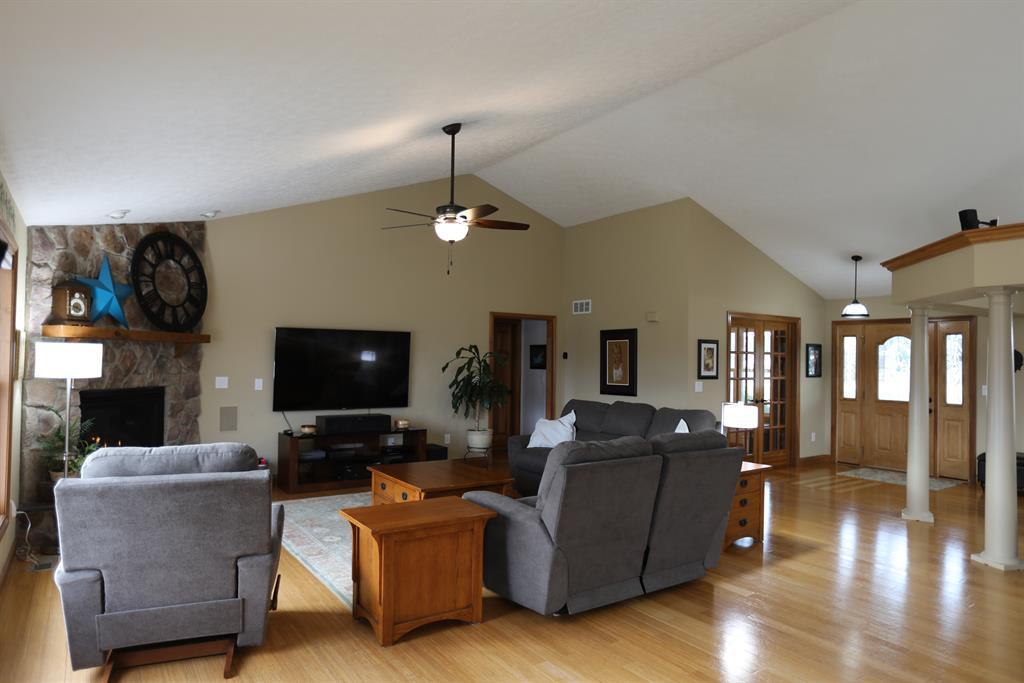 Living Room for 5385 New Burlington Rd Wilmington, OH 45177