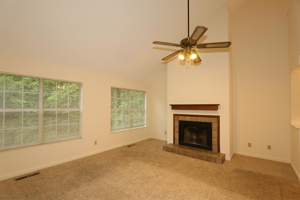 Living Room for 10555 Montgomery Rd, 97 Montgomery, OH 45242