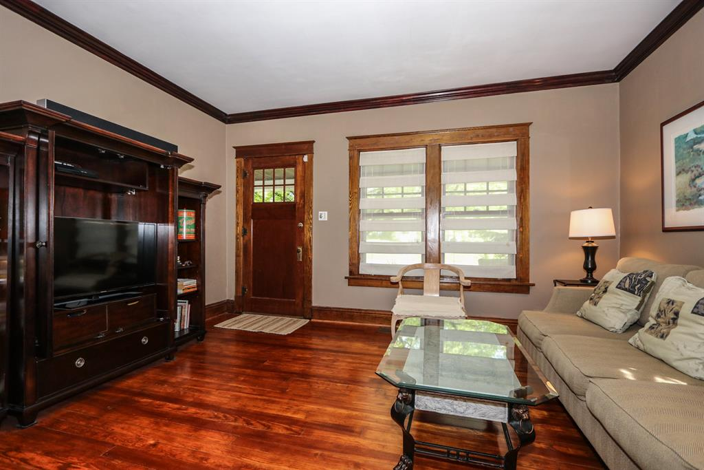 Living Room for 3149 Mapleleaf Ave Pleasant Ridge, OH 45213