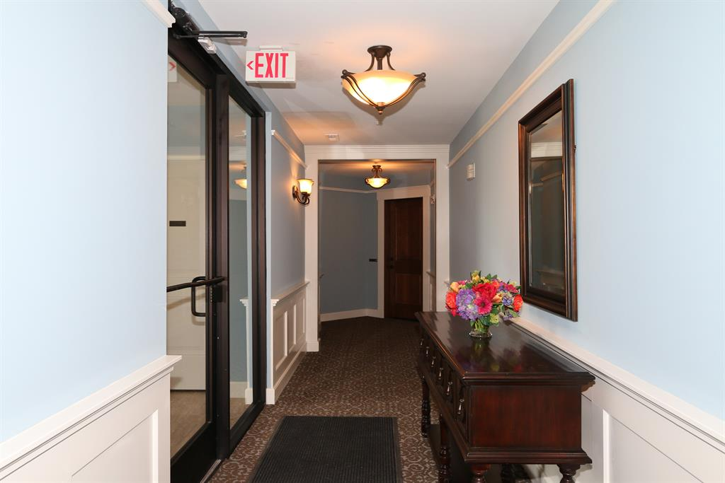 Lobby for 6901 Murray Ave, 206 Mariemont, OH 45227