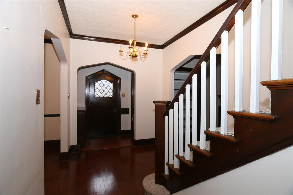 Foyer for 1400 E 2nd St Maysville, KY 41056