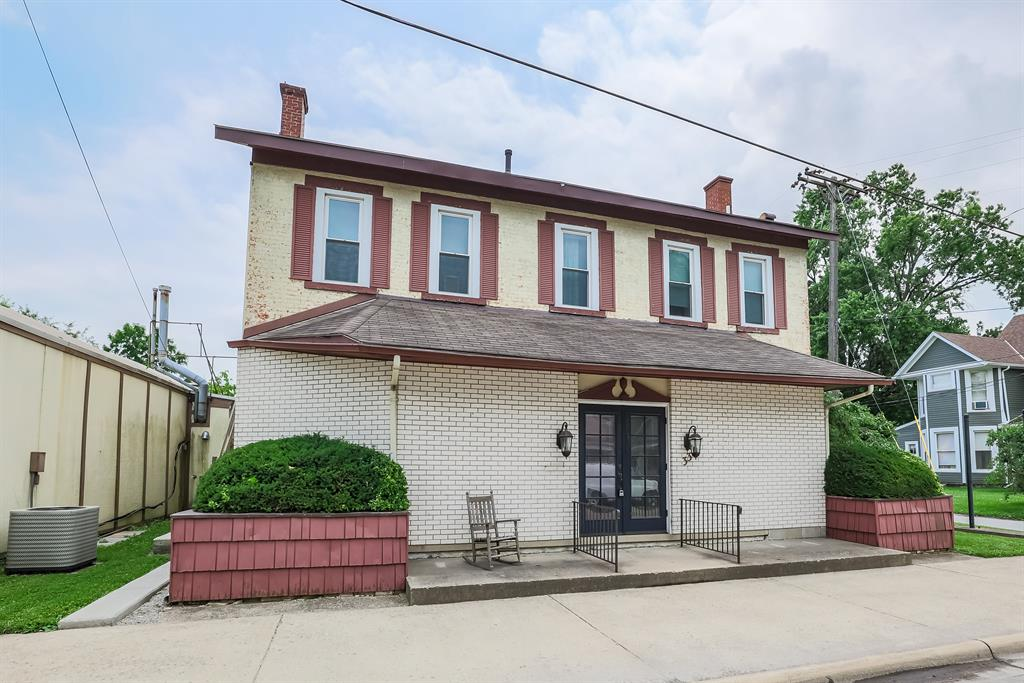 33 W Xenia Ave Cedarville Vlg, OH
