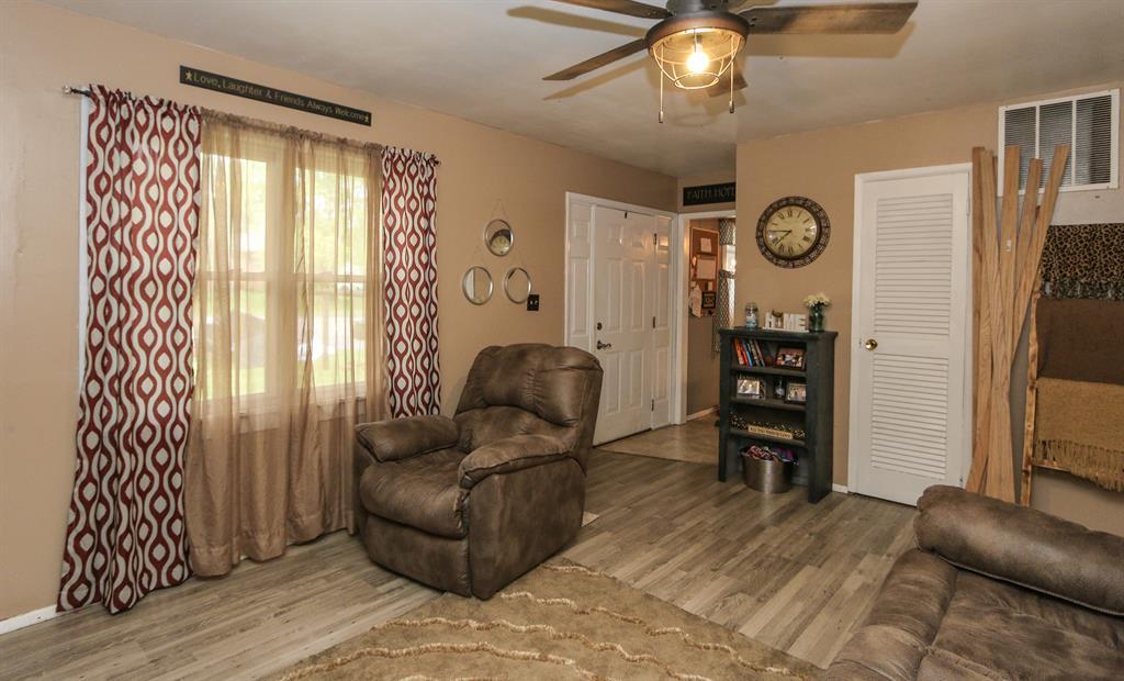 Living Room for 940 Carolyn Ct Carlisle, OH 45005