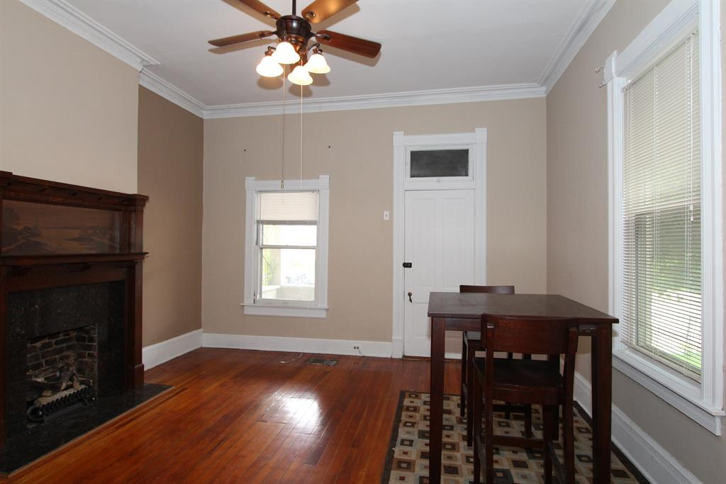 Living Room for 240 Berry Ave Bellevue, KY 41073