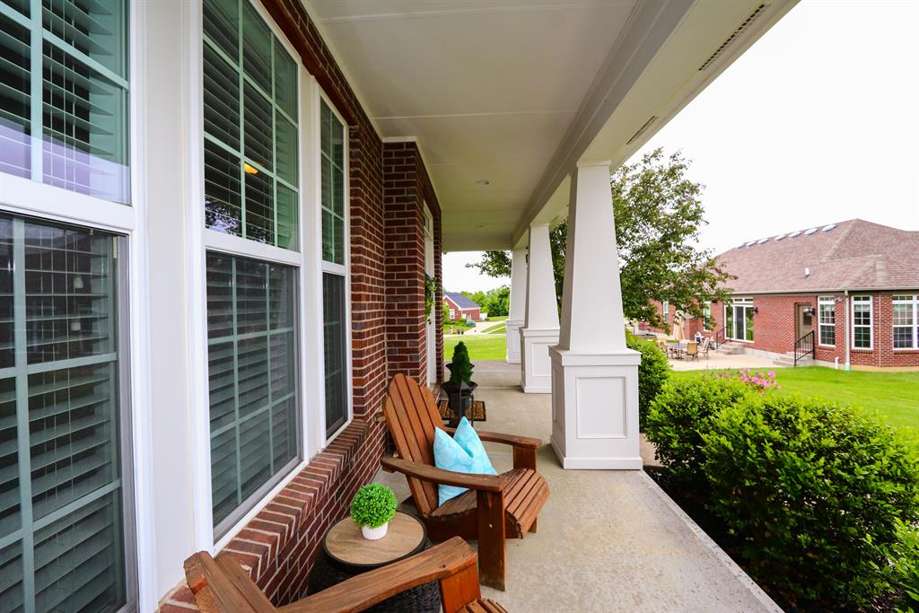 Porch for 8715 Signal Pointe Ct Florence, KY 41042