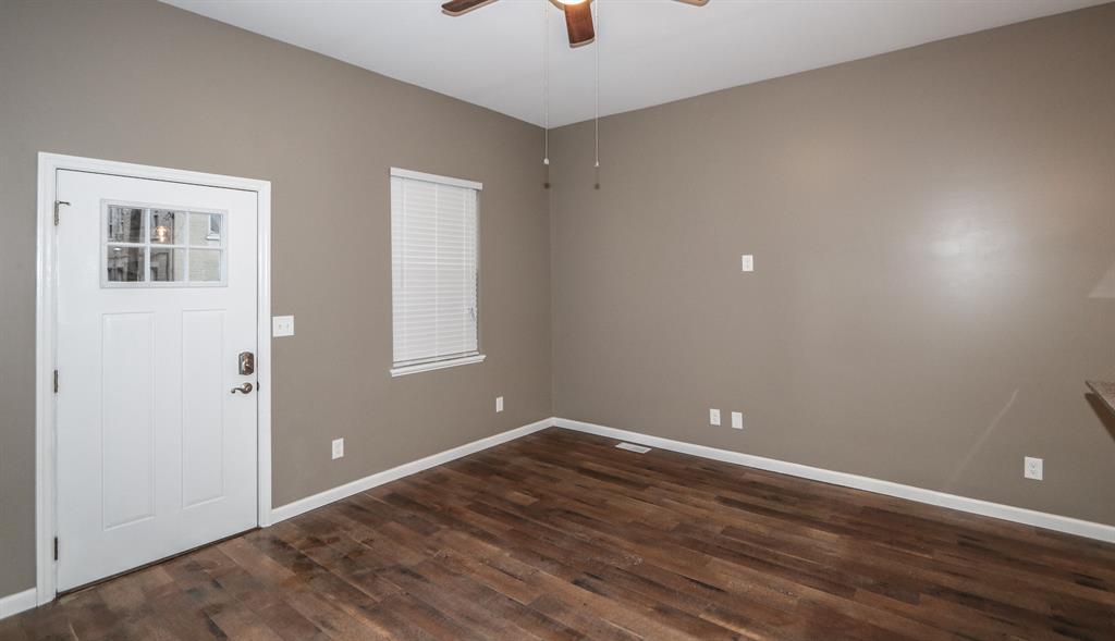 Living Room image 2 for 317 Elm St Newport, KY 41071