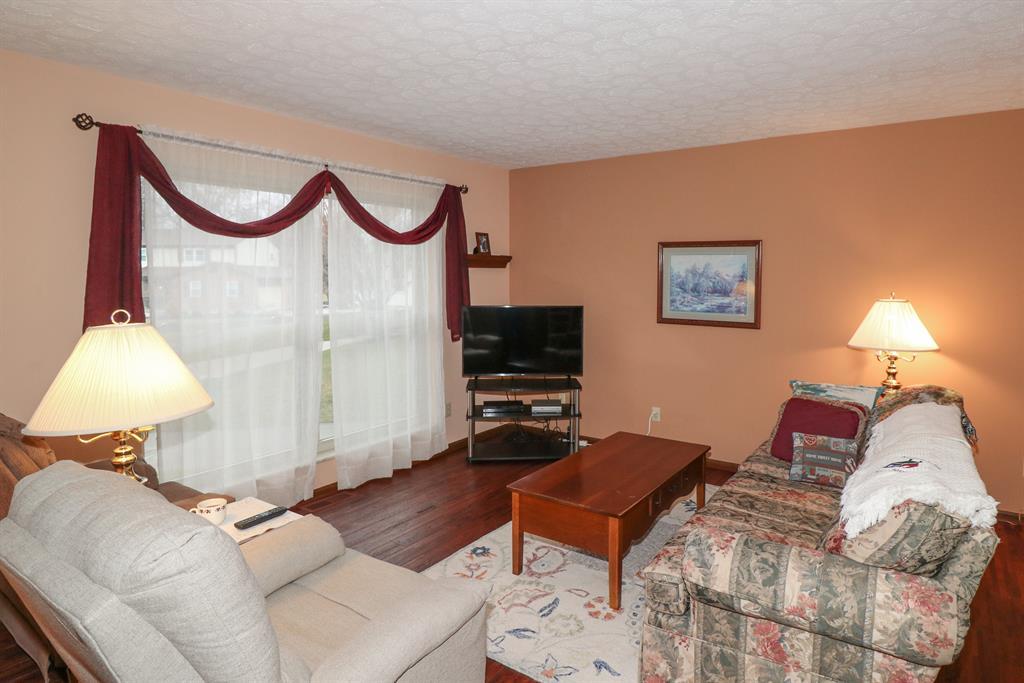 Living Room for 38 Jennifer Ct Fort Thomas, KY 41075