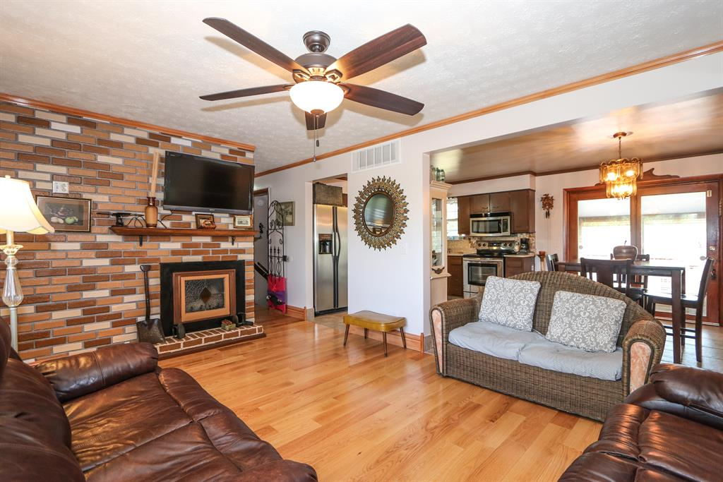Living Room for 54 Fleming Independence, KY 41051