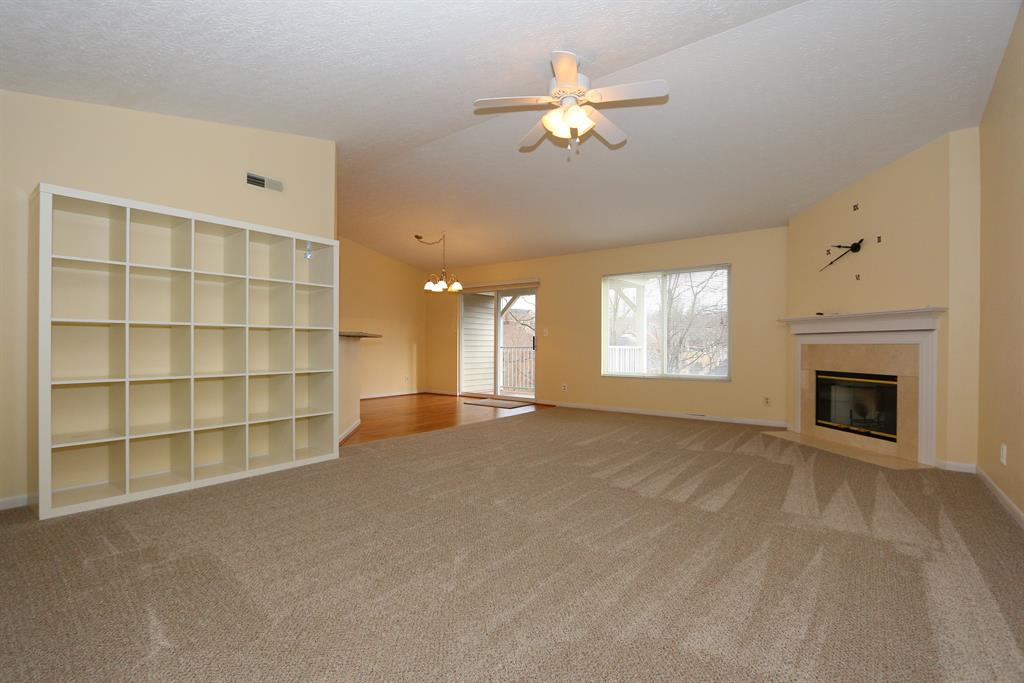Living Room for 2270 Edenderry, 303 Crescent Springs, KY 41017