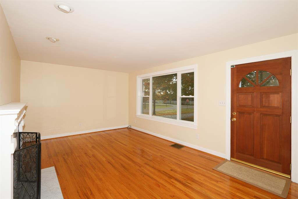 Living Room for 1056 Frogtown Rd Union, KY 41091