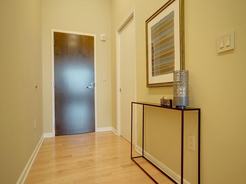 Foyer for 400 Pike St, P-20 Cincinnati, OH 45202