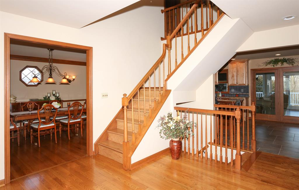 Foyer for 1093 Carpenters Trace Villa Hills, KY 41017