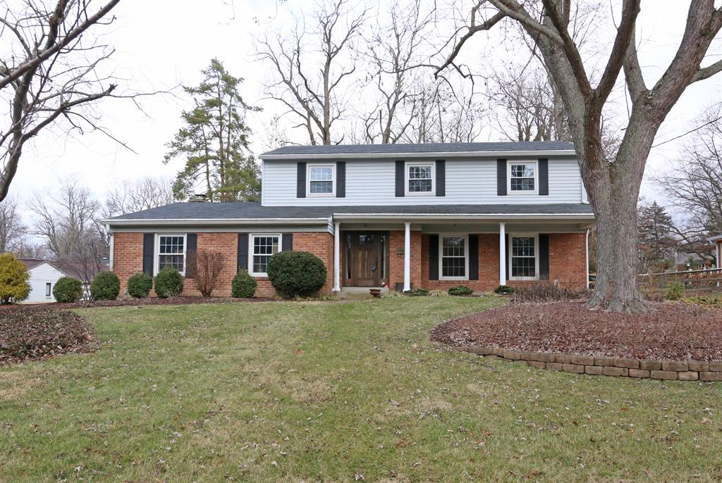 536 Hilltop Ln Wyoming, OH