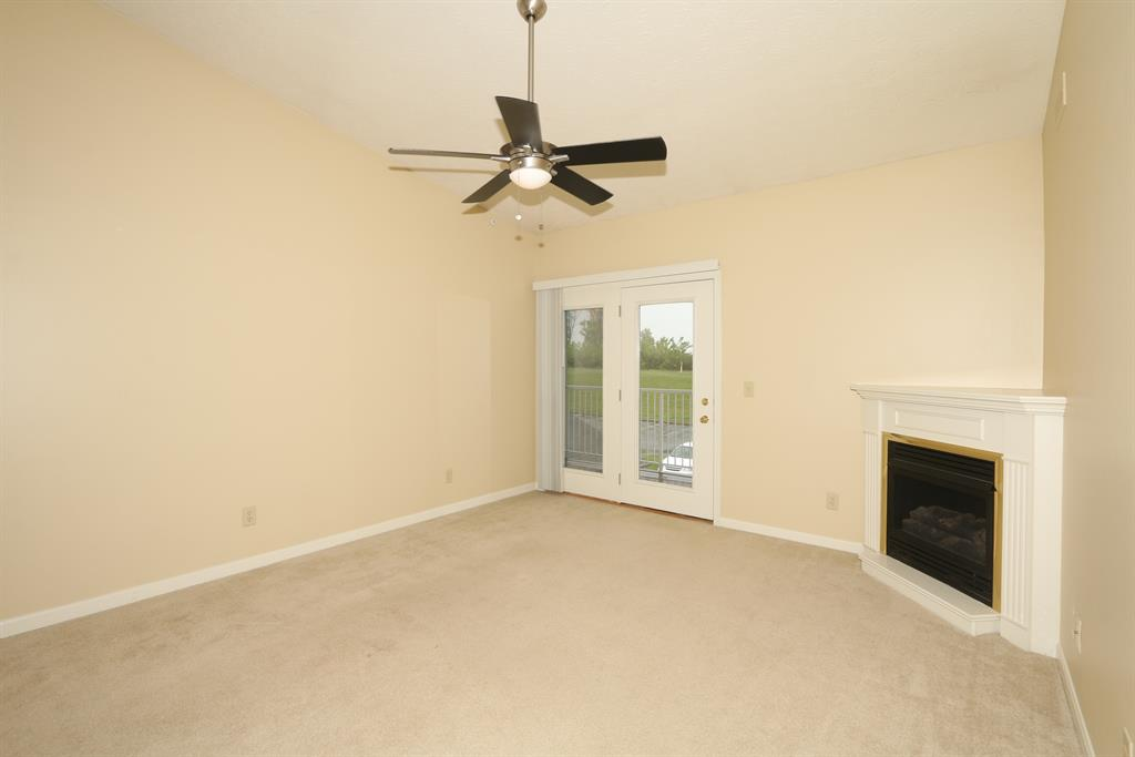 Living Room for 701 Napa Valley Ln, 10 Crestview Hills, KY 41017