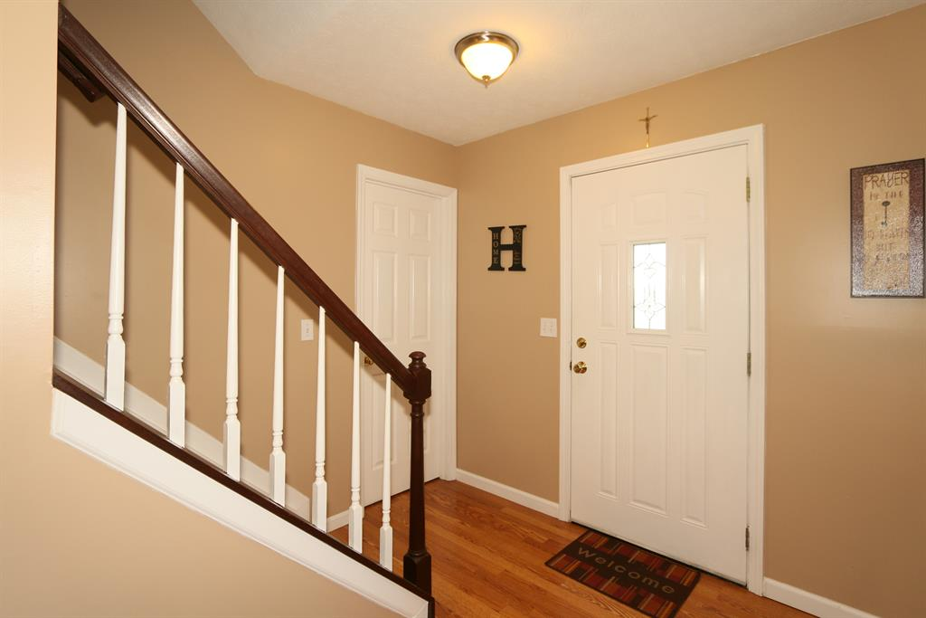 Foyer for 4944 Pritchard Ln Independence, KY 41051