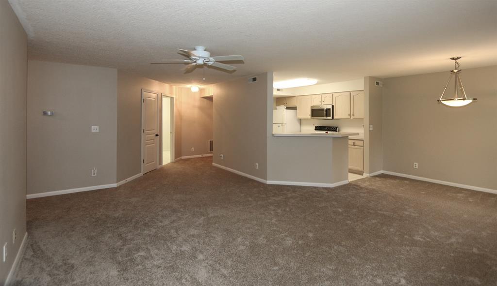 Living Room image 2 for 2280 Edenderry Dr, 104 Crescent Springs, KY 41017