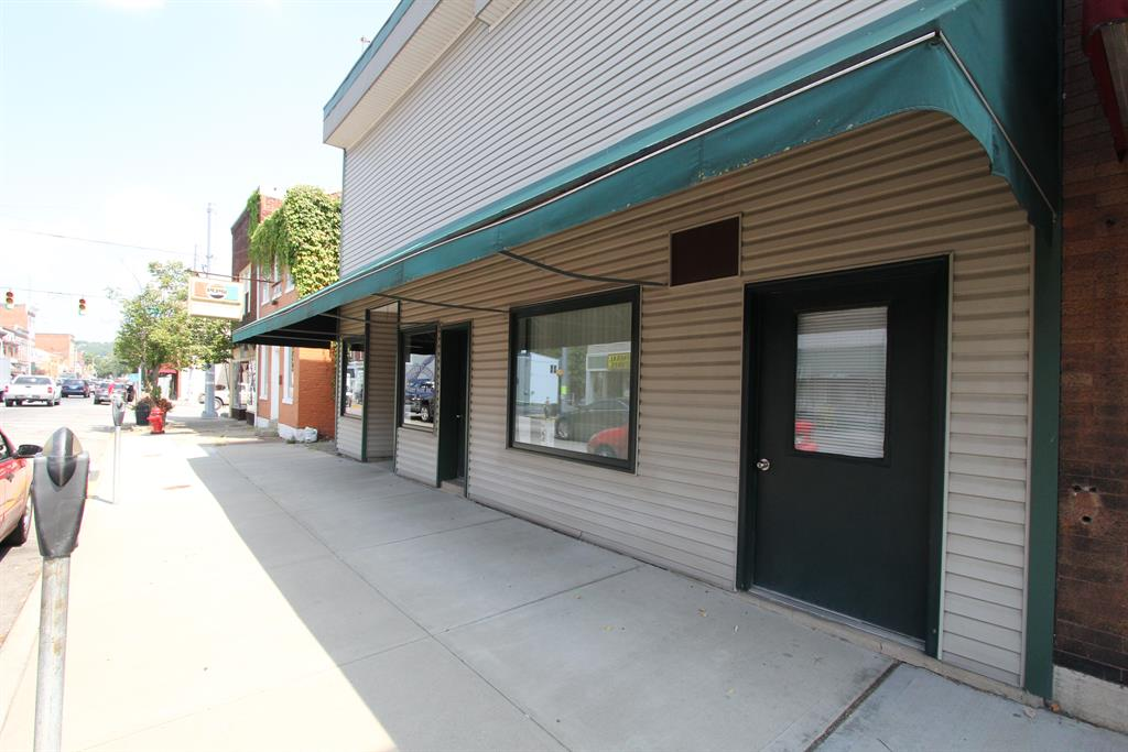 Entrance for 559 Main St Brookville, IN 47012