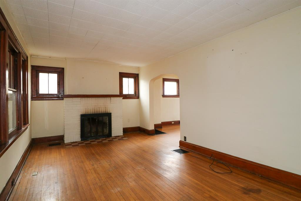 Living Room for 17 Orphanage Rd Fort Mitchell, KY 41017