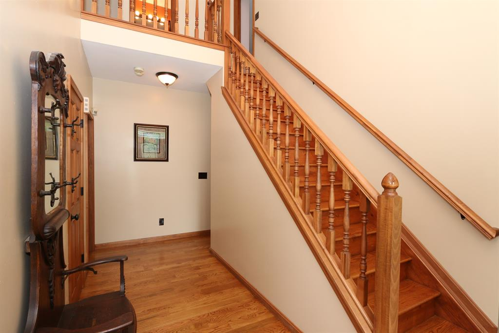 Foyer for 1525 Copper Creek Ct Florence, KY 41042