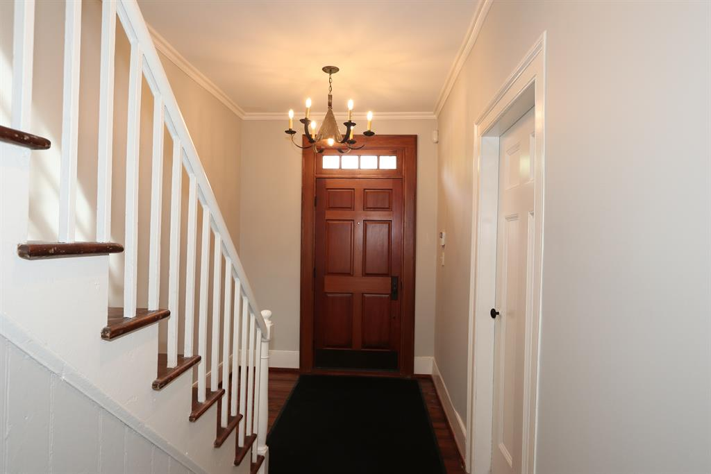 Foyer for 8952 Winton Rd Springfield Twp., OH 45231